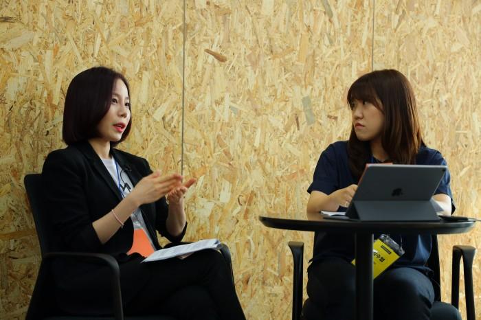왼쪽부터 세이브앤코 박지원 대표와 루트임팩트 김수영 디자이너