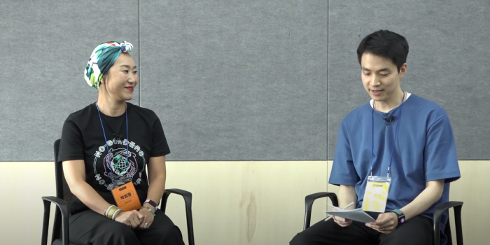 왼쪽부터 러쉬코리아 박원정 매니저, 루트임팩트 김영신 매니저